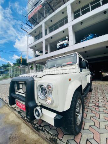land-rover-defender-big-2